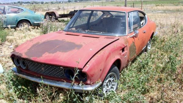 pretend-ferrari-1967-fiat-dino-coupe