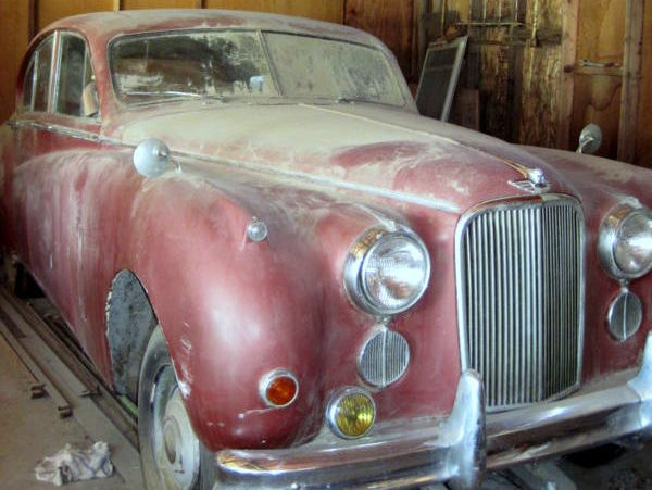 small-town-cat-1954-jaguar-mkii-m-saloon