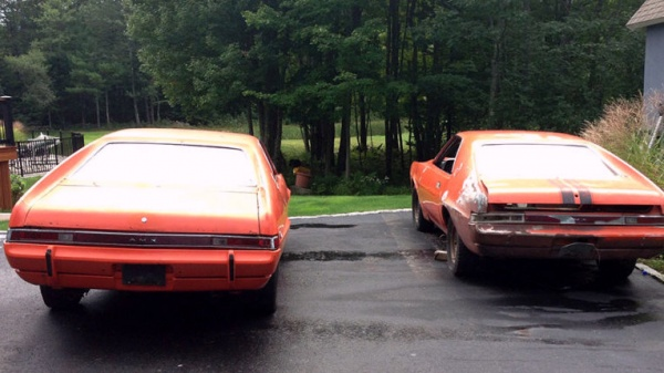 1969-amc-amx-pair-rear-ends