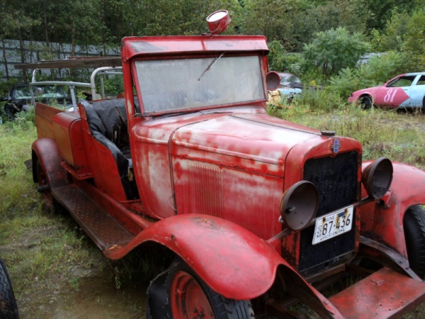 field-of-antiques-chevy-firetruck
