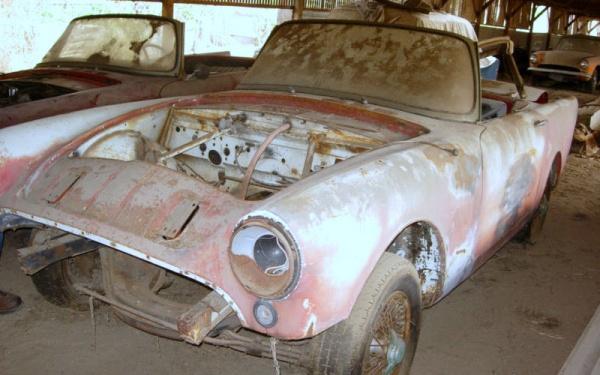 sunbeam-alpine-parts-car