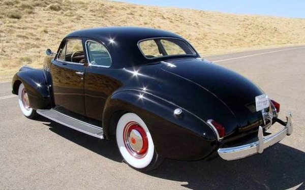 1940-lasalle-coupe-rear-corner