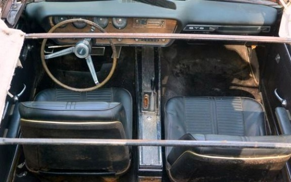 1966-pontiac-gto-interior