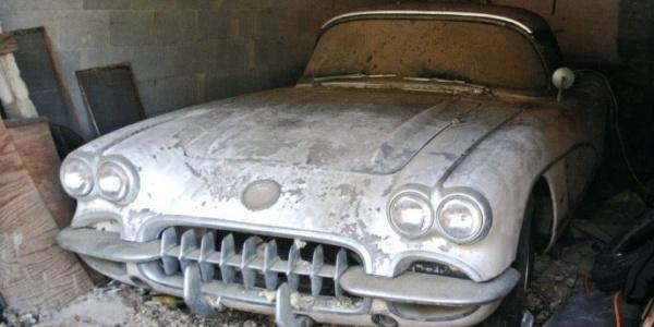 Corvette-in-the-Barn