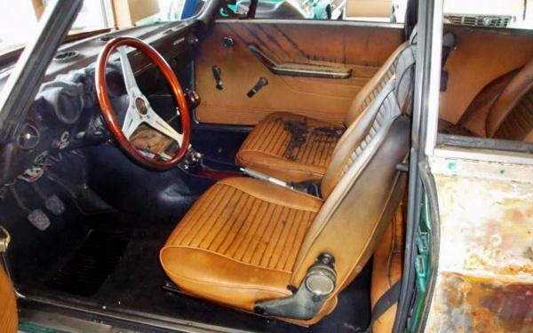 1974-alfa-gtv-interior