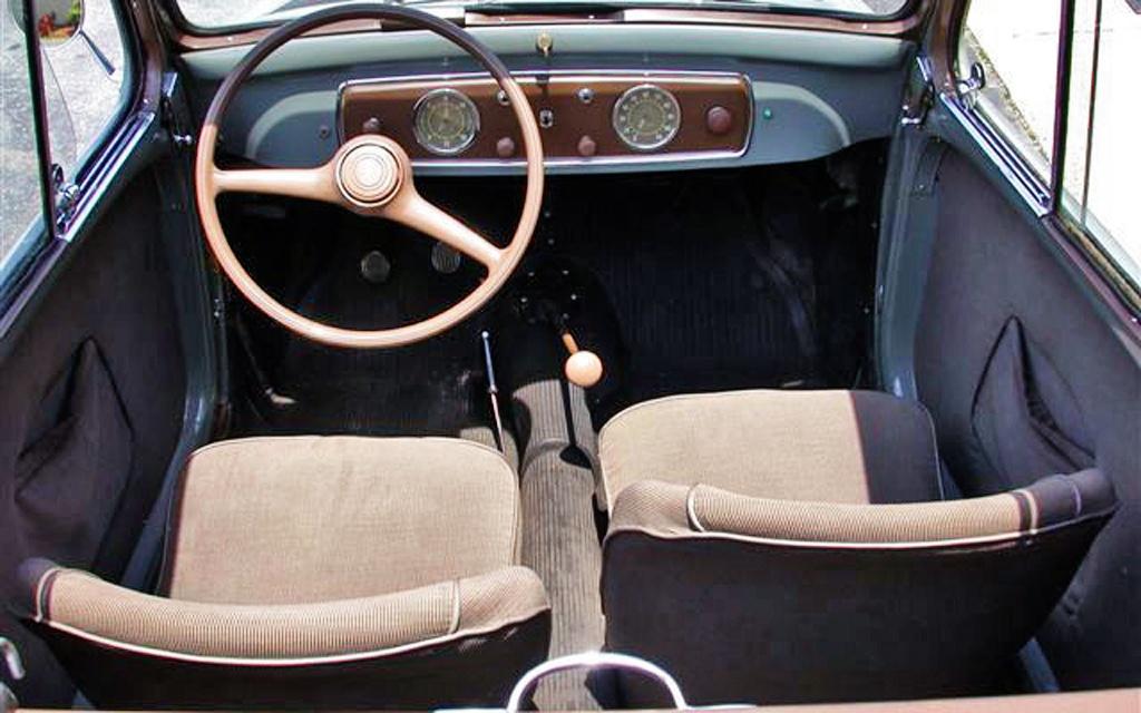Fiat Topolino interior