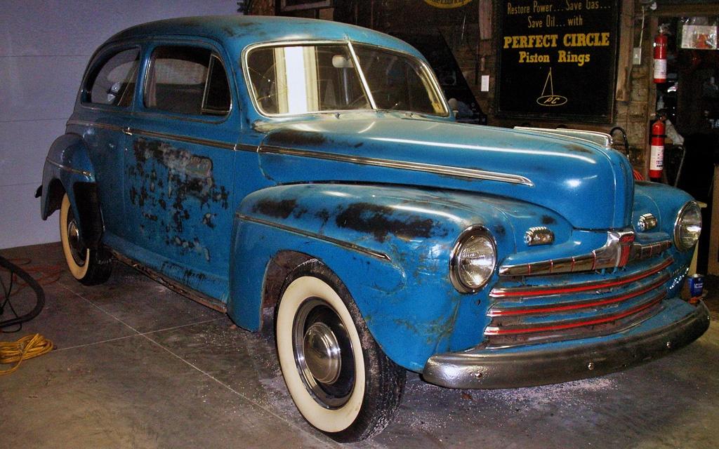 1946 Ford Sedan