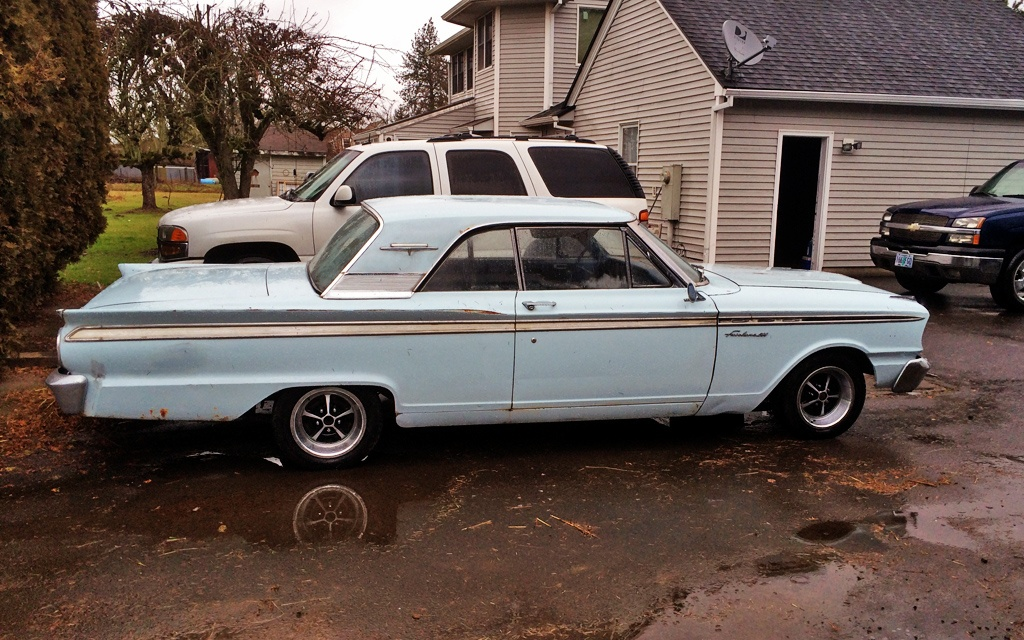 Ford Fairlane sport coupe