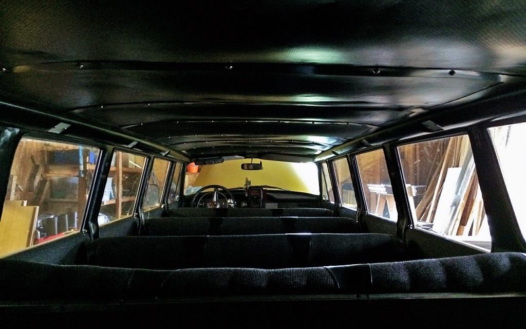 Checker Aerobus cabin