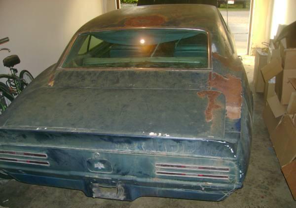 1967-pontiac-firebird-rear
