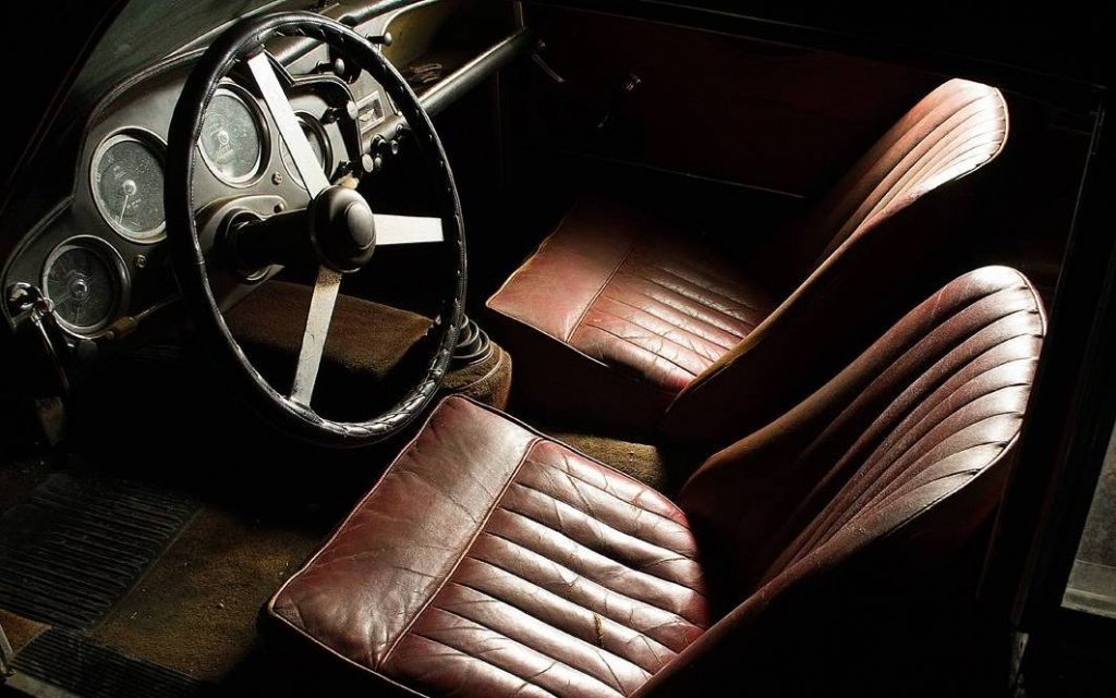 red-leather-seats