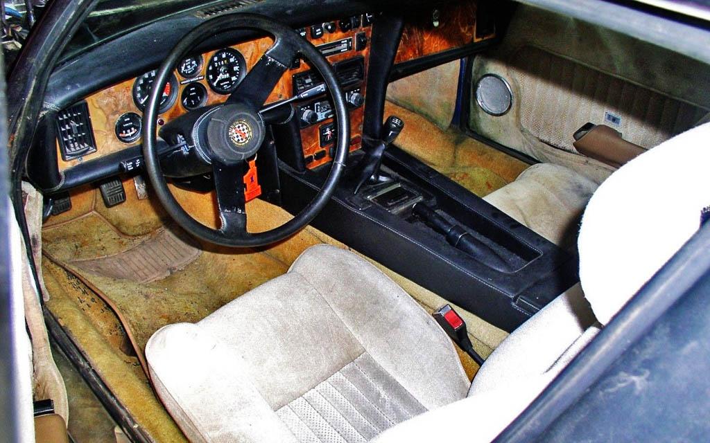 Jensen Healey GT interior