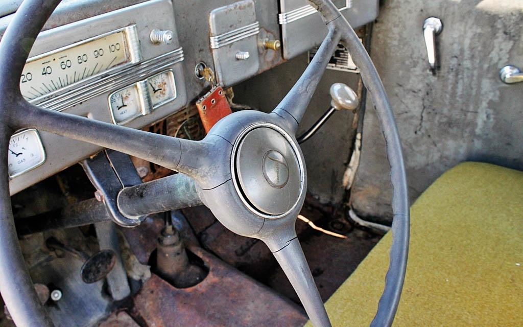 Studebaker J-5 Interior