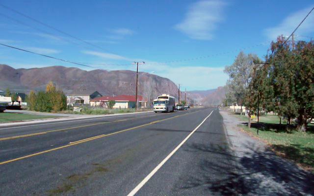 Road into Henefer UT