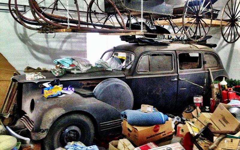 1942 Packard 180