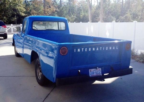 1965-International-D1100-bed