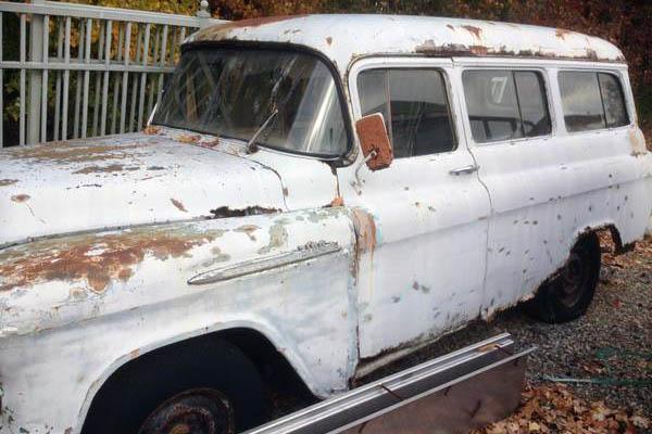 Chevy Suburban 3100