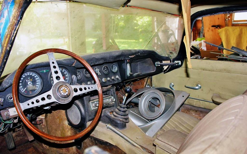 Jaguar E-Type Interior