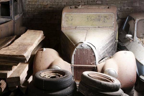 bugatti-in-the-barn