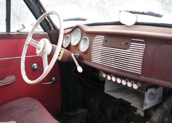 1957-goliath-interior