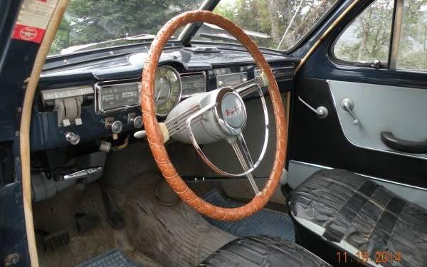 1958-volvo-444-interior