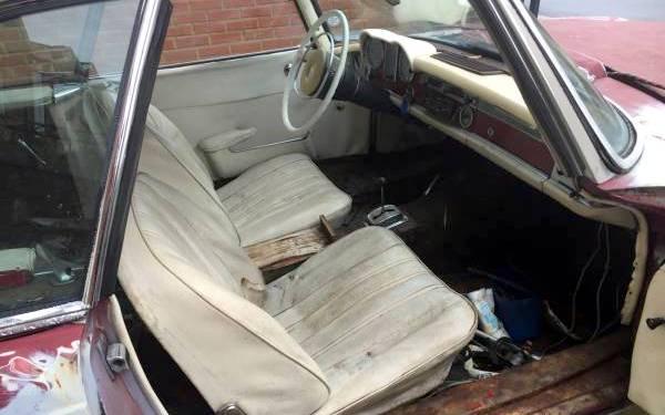 mercedes-230sl-interior