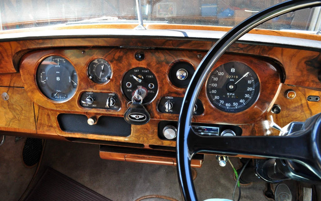 1964 Bentley S3 Dash