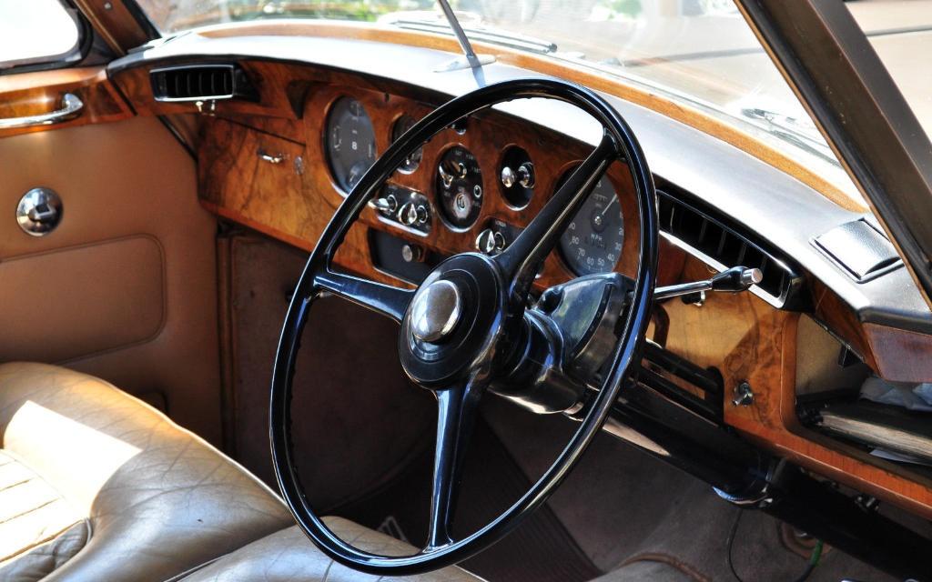 1964 Bentley S3 Interior