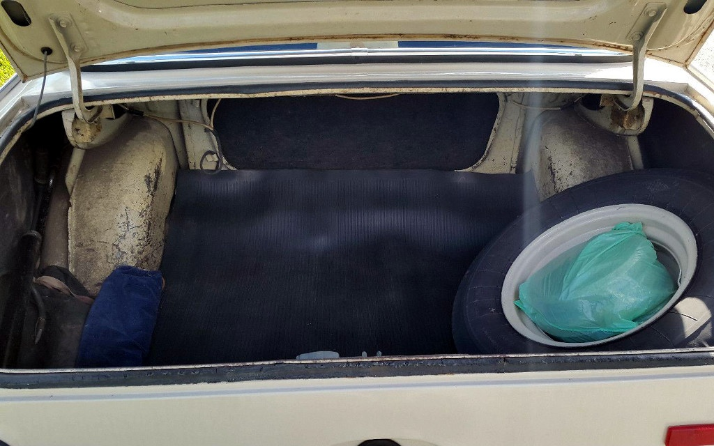 1968 Moskvitch 408 Trunk