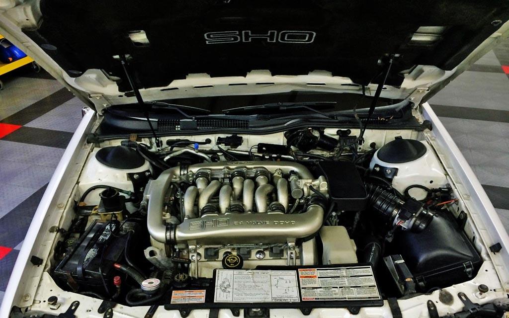 1990 Taurus SHO Engine