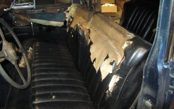 1961 Jaguar MK IX Interior