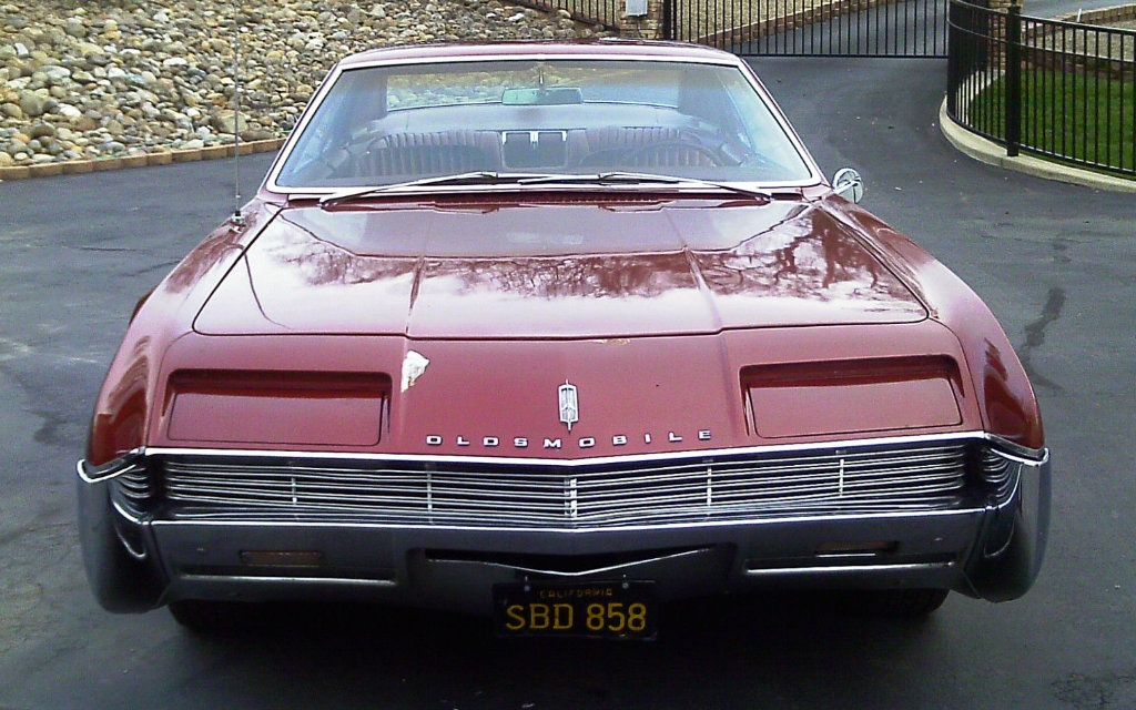 1966 Oldsmobile Toronado Front End