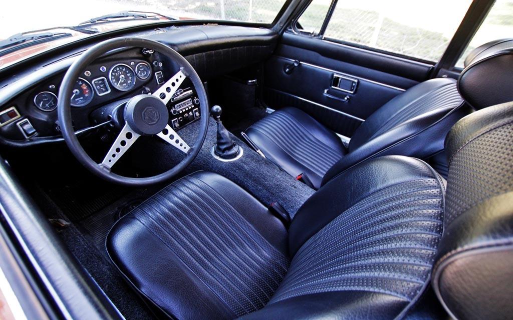MGB GT interior