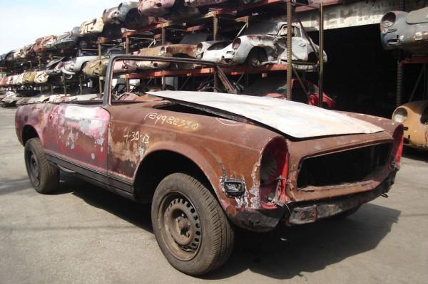 junkyard-mercedes-280sl