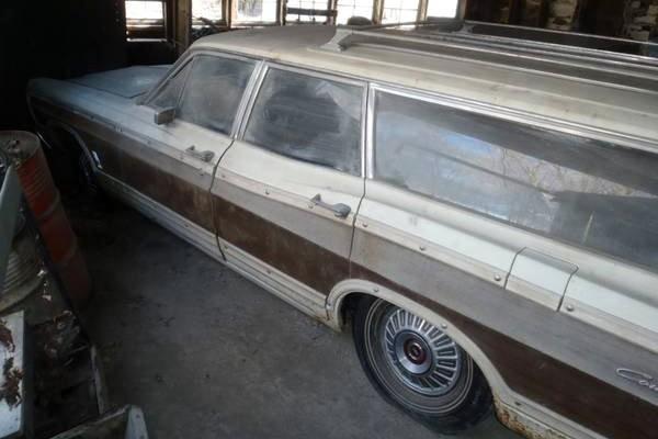 1967 Ford Galaxie Wagon