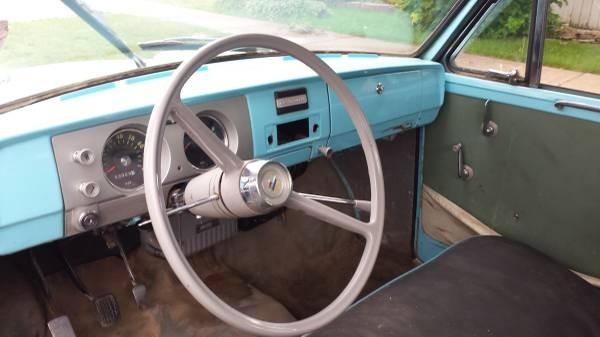 Datsun NL-320 interior