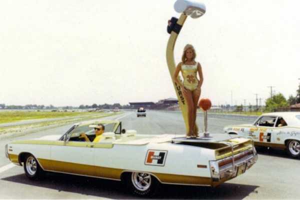 Chrysler 300 Hurst Parade Car