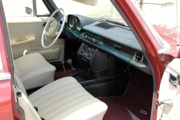 1963 Mercedes 230 Interior