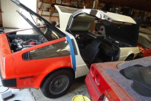 Dominos DeLorean