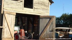 Old-Barn-Find-diorama-slides-05