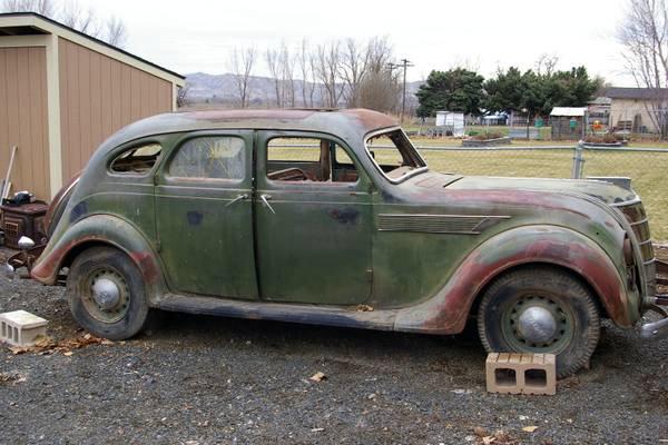 1935 Chrysler Airflow C1