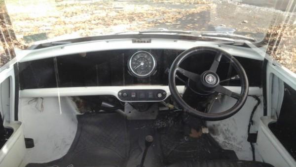 1971 Austin Mini Pickup int.