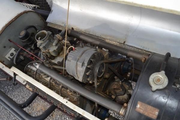'33 V8