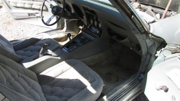 Button Tuck Seats