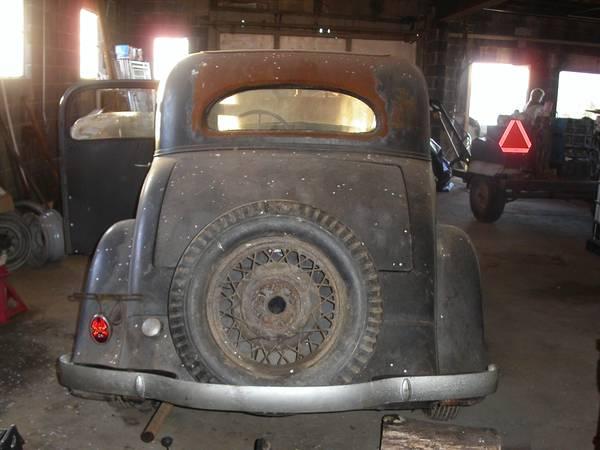 '33 Chevy rear