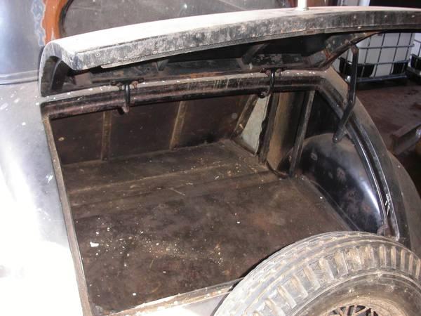 '33 Chevy trunck