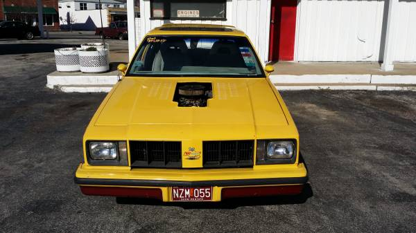'77 Olds race front