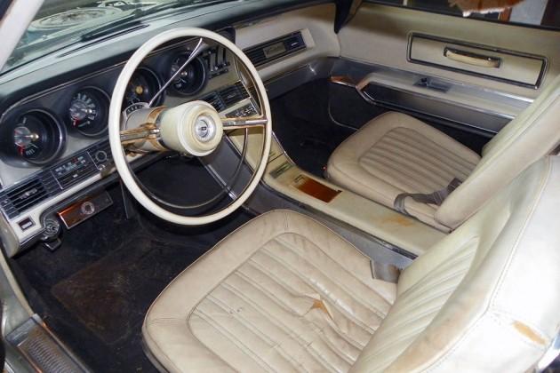 1967 Ford Thunderbird Interior
