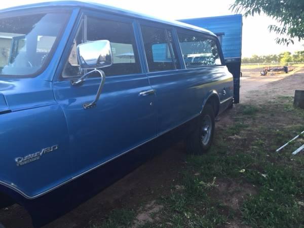 1972 Chevy Suburban left side