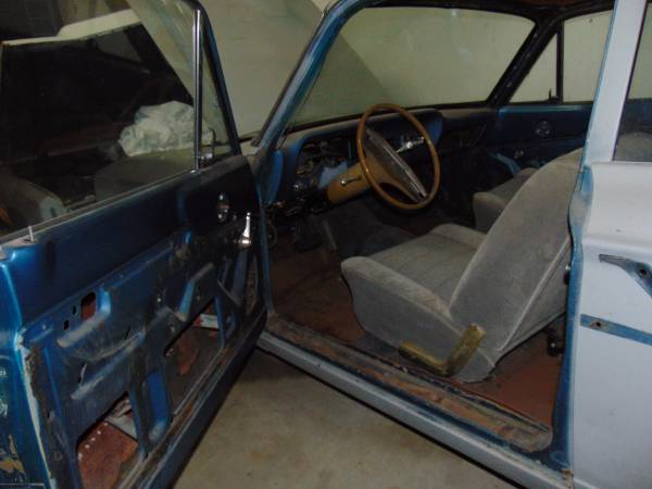 '64 Fairlane front seat